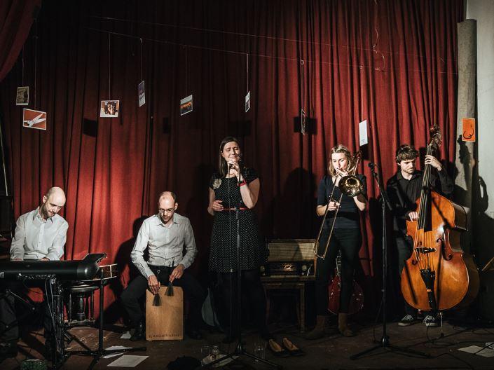 Maria Schüritz & Die Cineasten - Foto: Ruslan Hushchak